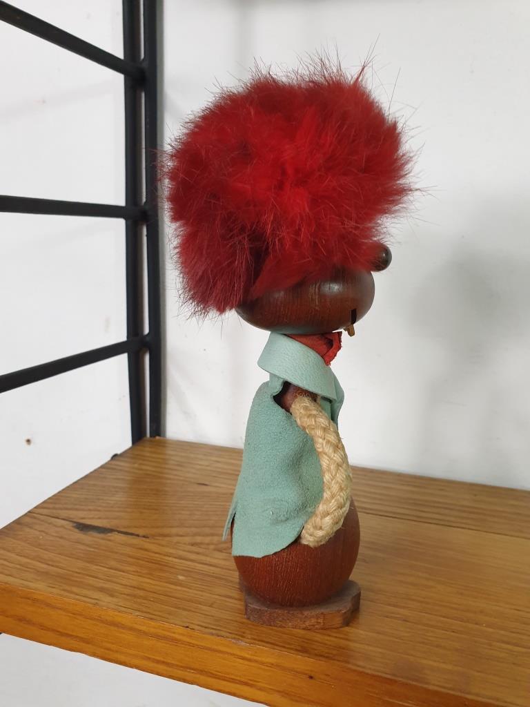 4 bonhomme aux cheveux rouges