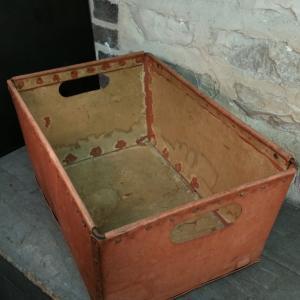 4 caisse de bonneterie