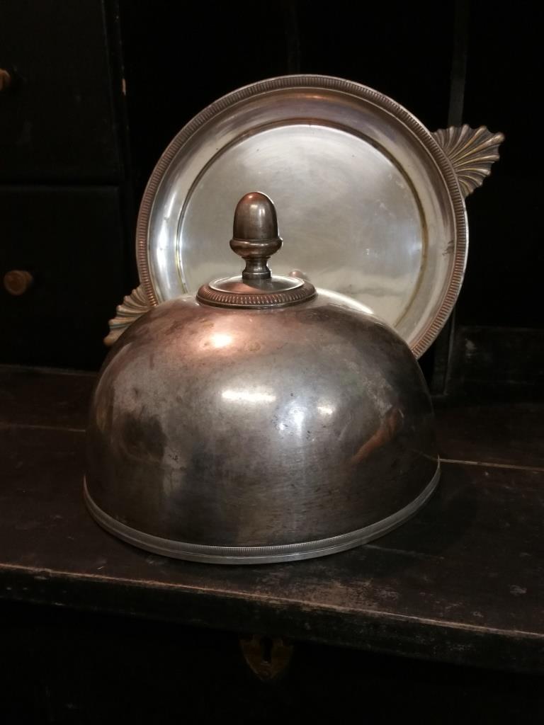 4 cloche en metal argente