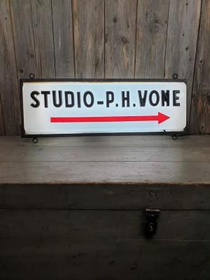 Enseigne de studio