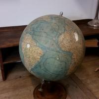 4 globe terrestre forest