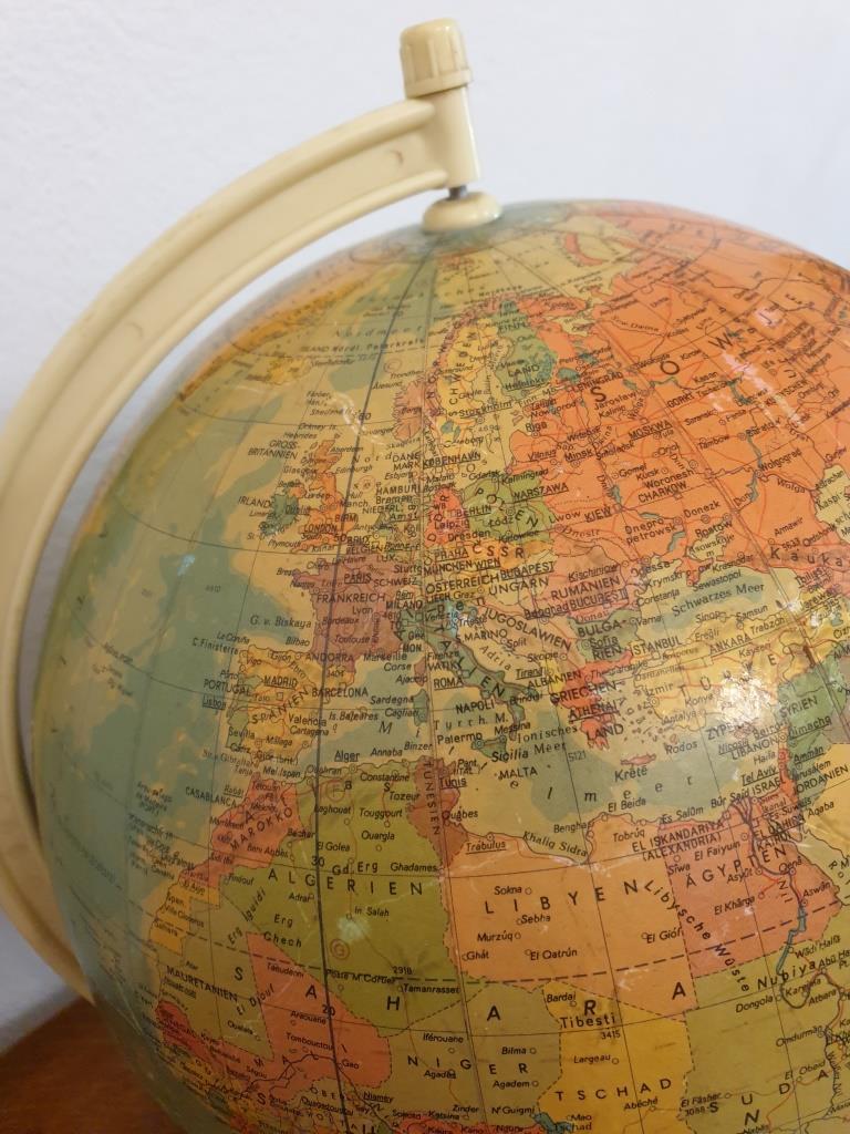 4 globe terrestre rath