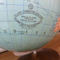 4 globe terrestre