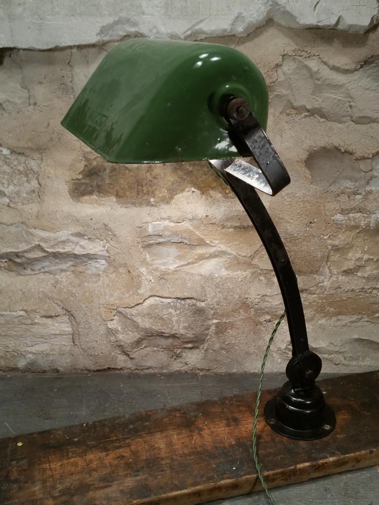 4 lampe nam