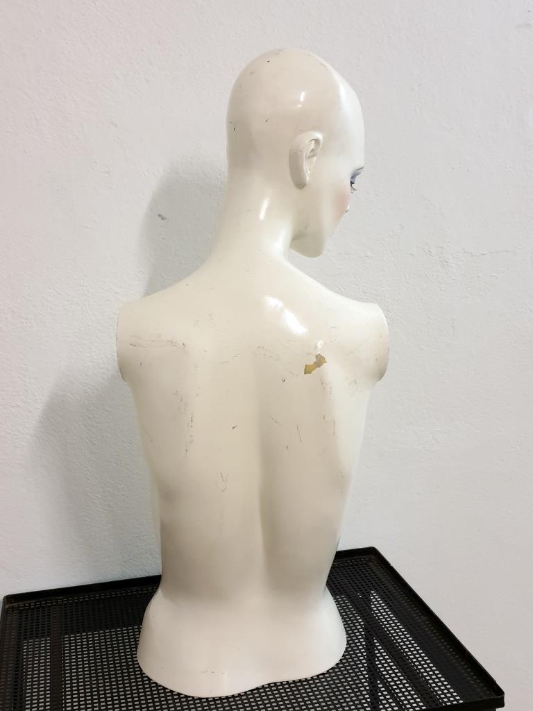 4 mannequin 70