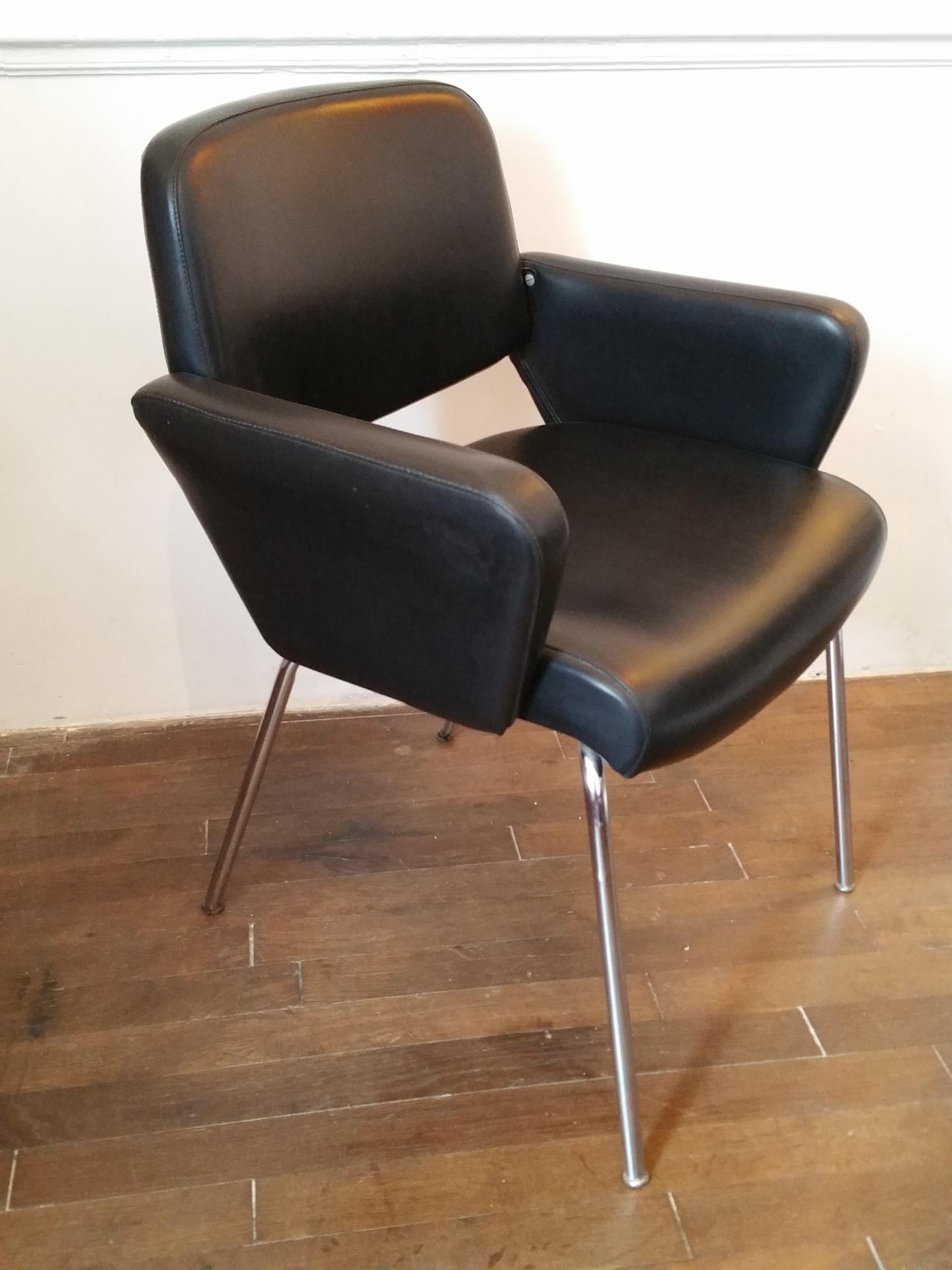4 paire de fauteuils skai noir