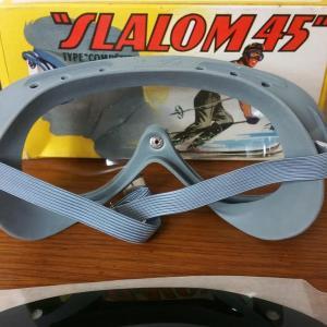 4 paires de lunettes de ski moto