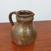 4 pichet en ceramique signe