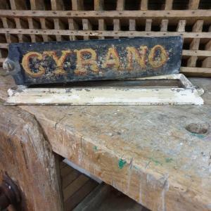 4 plaque ecurie cyrano
