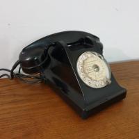 4 telephone noir bakelite 1