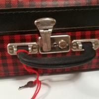 4 valise ecossaise rouge