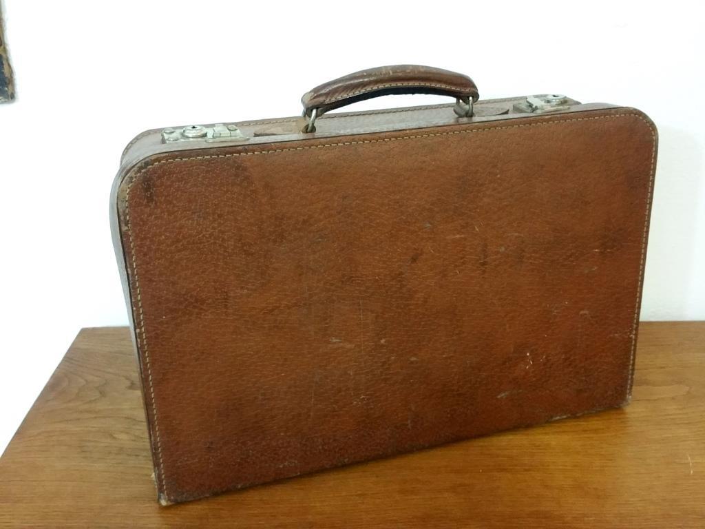 4 valise en cuir