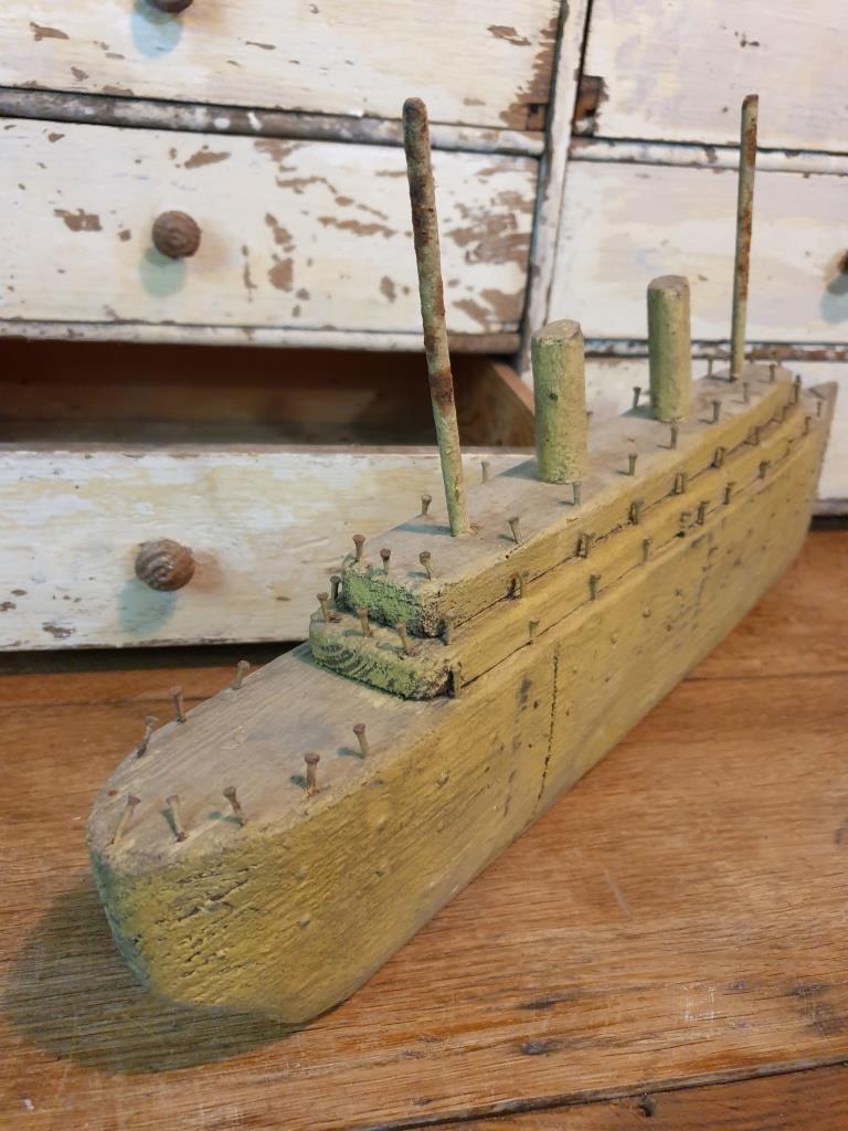 5 bateau navire de guerre