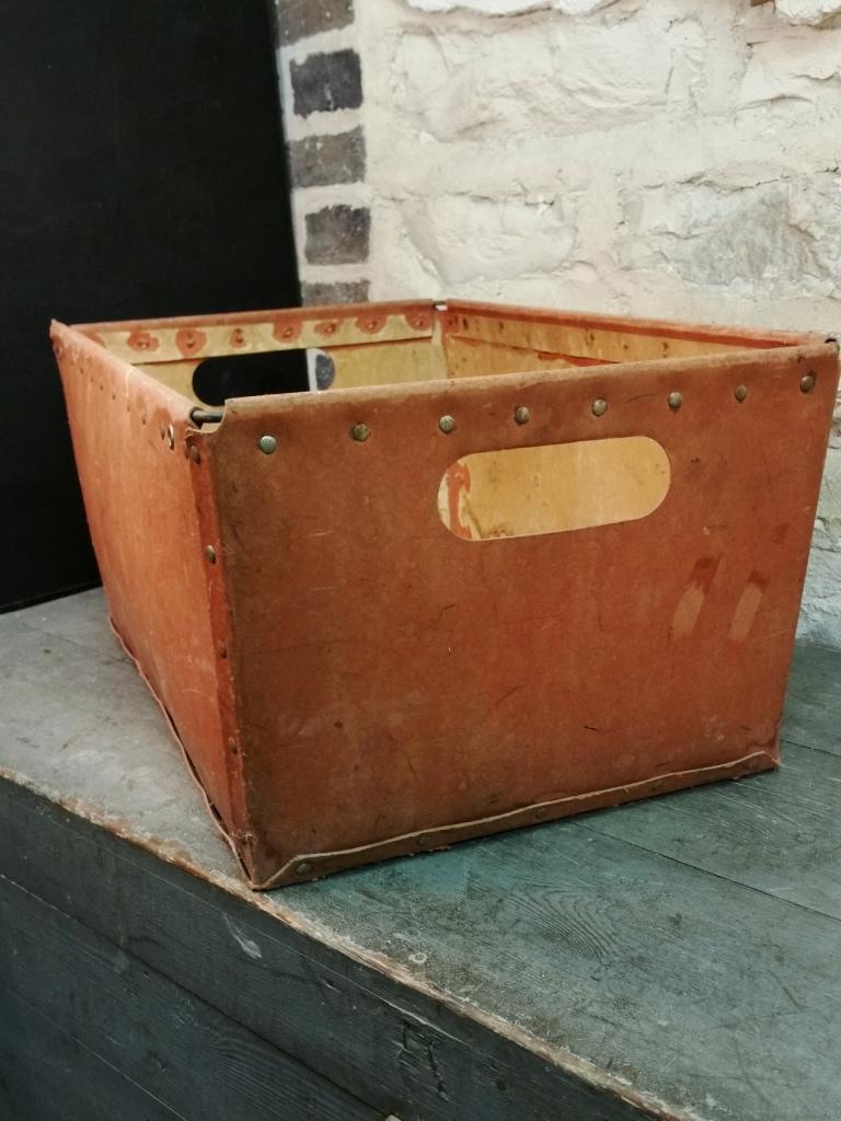 5 caisse de bonneterie