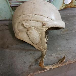5 casque bolen cuir