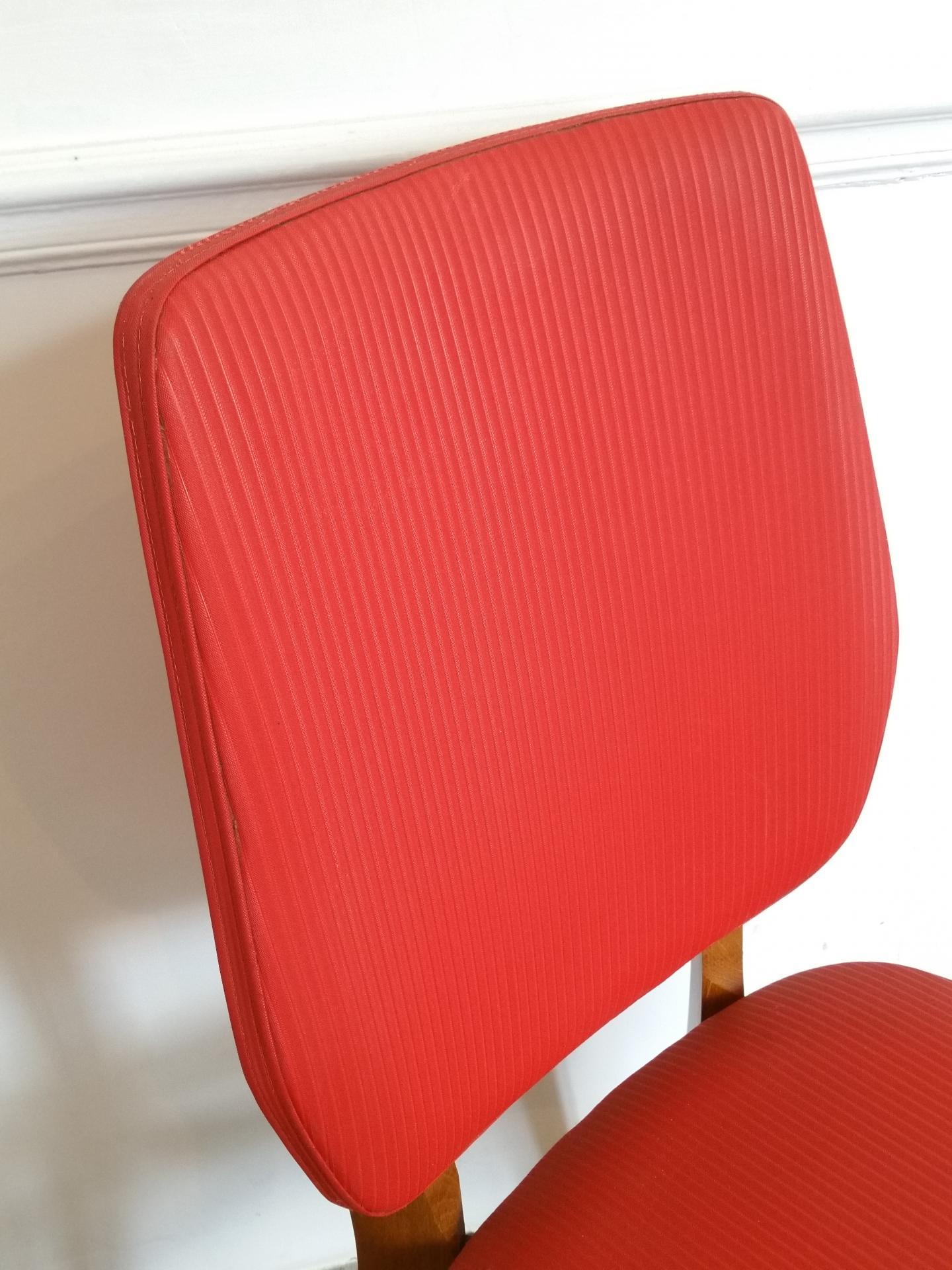 5 chaise rouge