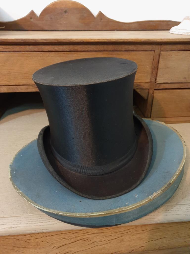 5 chapeau clac