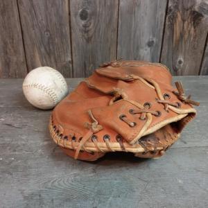 5 gant et balle de base ball