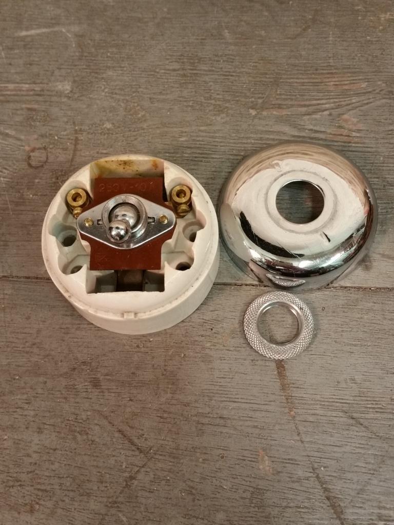 5 grand interupteur chrome