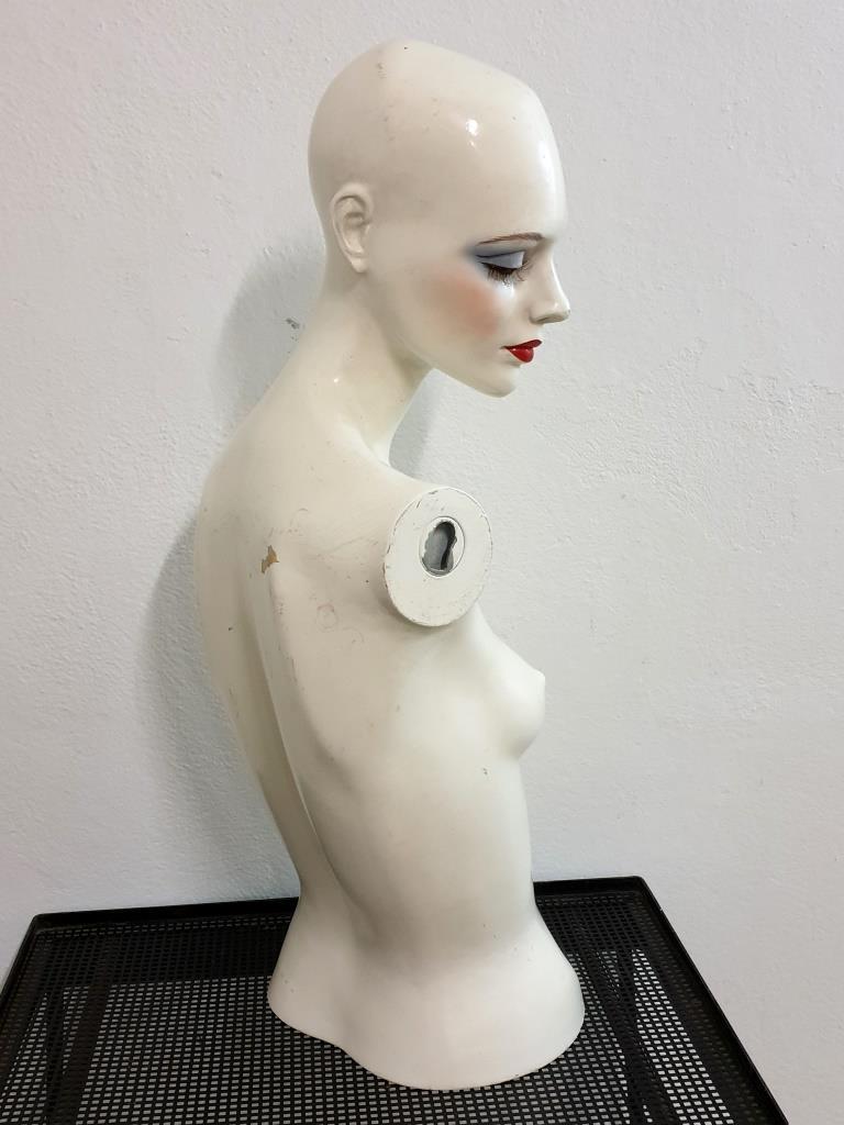 5 mannequin 70