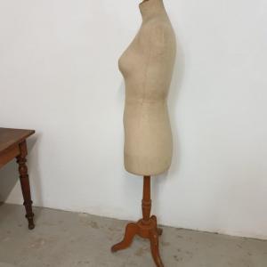 5 mannequin stockman 1
