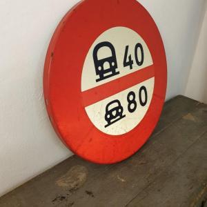 5 panneau limitation vitesses