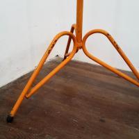5 porte manteau orange