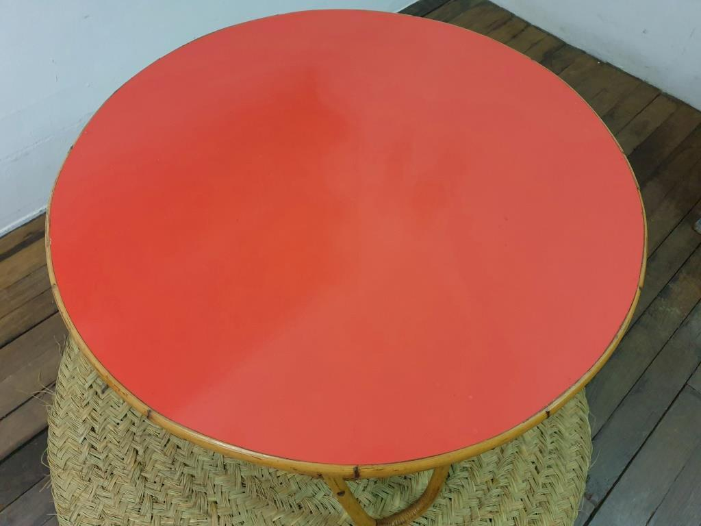5 table basse formica rouge