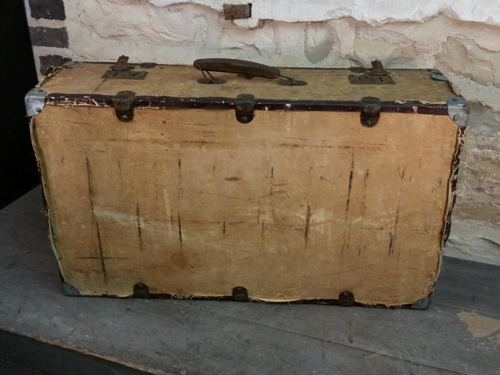 5 valise en bois