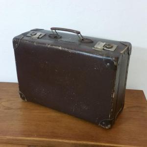 5 valise en carton bouilli marron