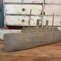 6 bateau navire de guerre