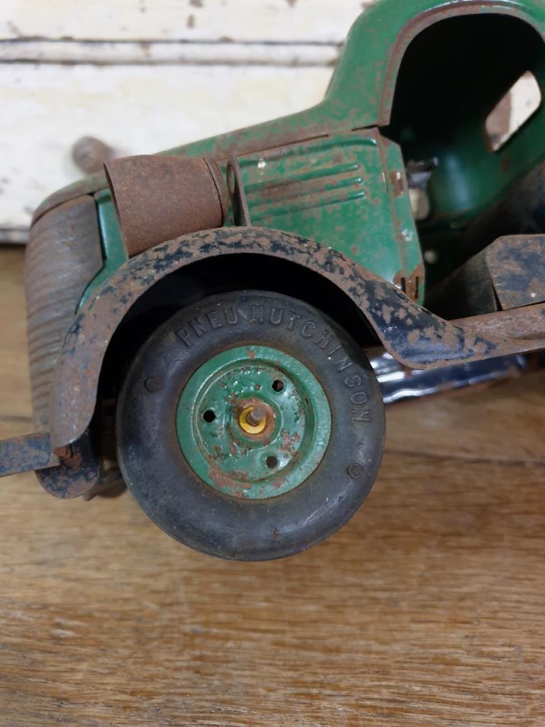 6 camion en tole vert