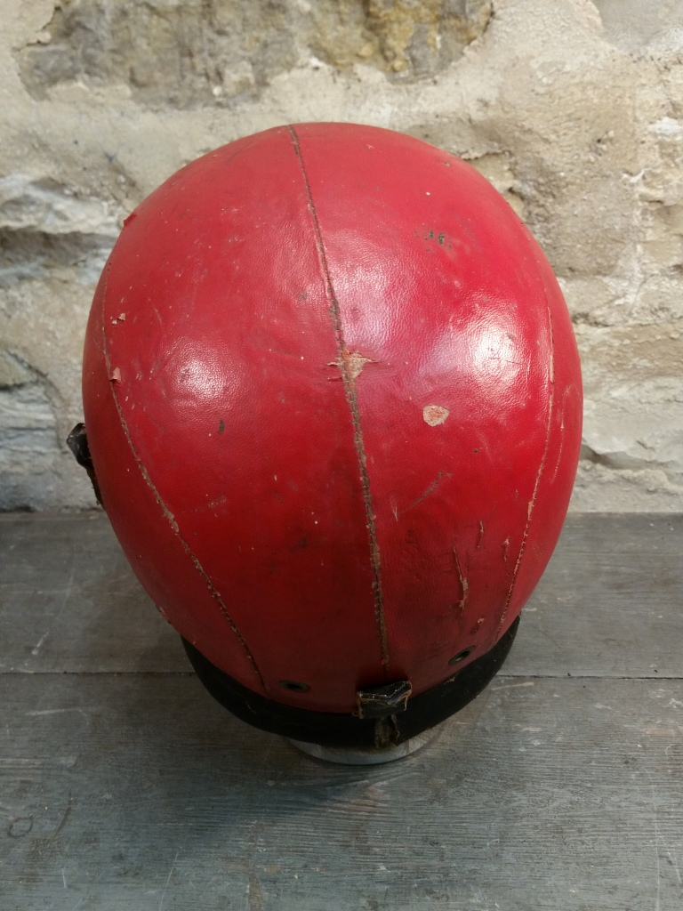 6 casque rouge