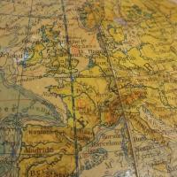 6 globe terrestre raths