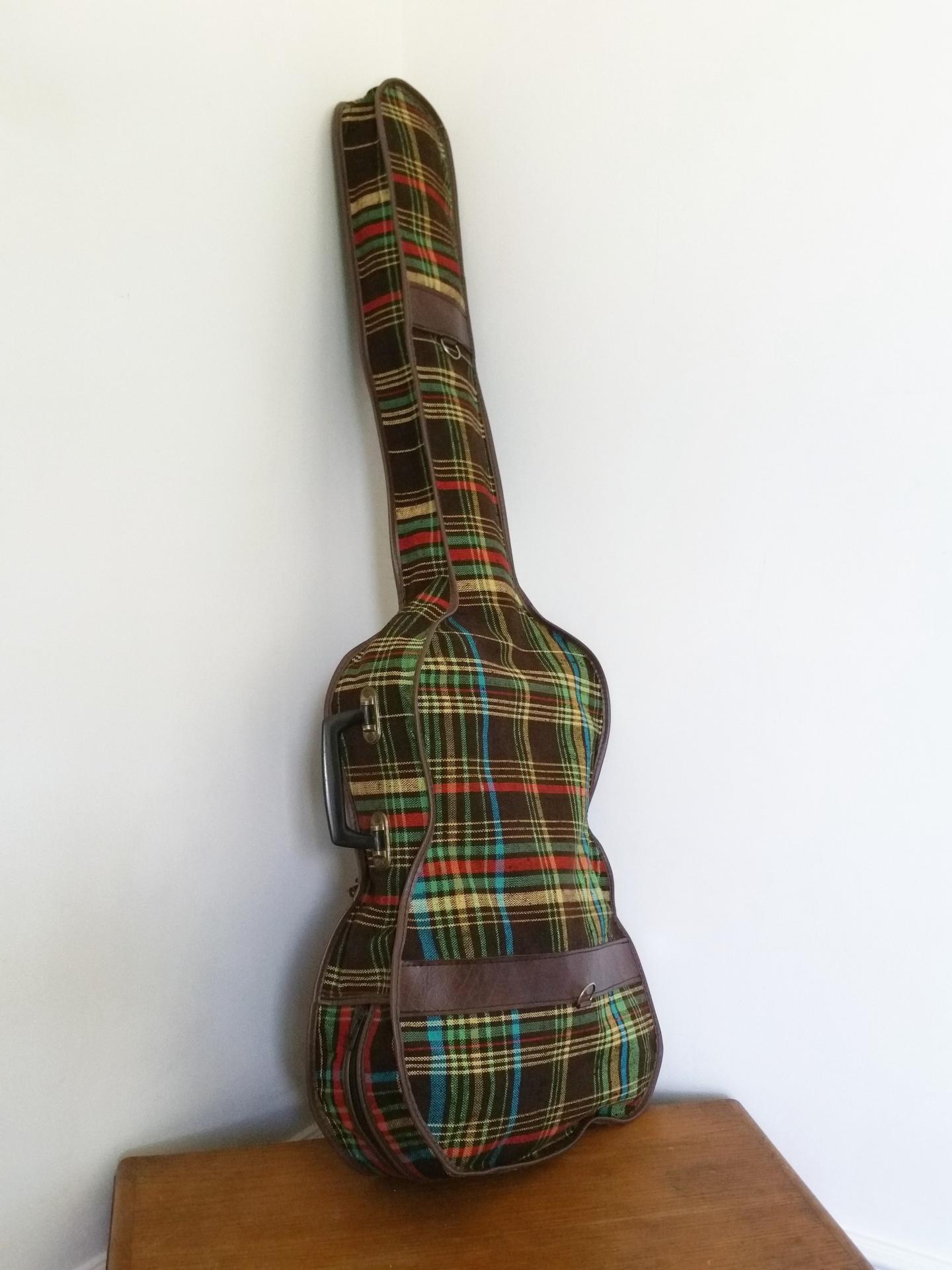 6 housse de guitare tissu ecossais