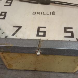 6 pendule brille