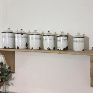 6 serie de pots a epices blanc et bleu emaille