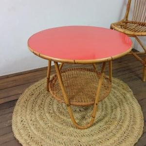 6 table basse formica rouge