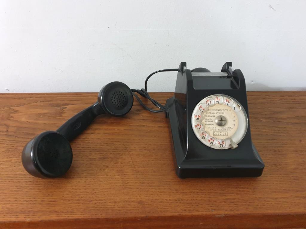 6 telephone noir bakelite 1