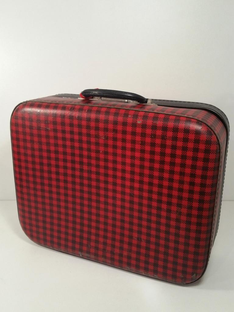 6 valise ecossaise rouge