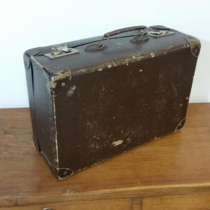 6 valise en carton bouilli marron