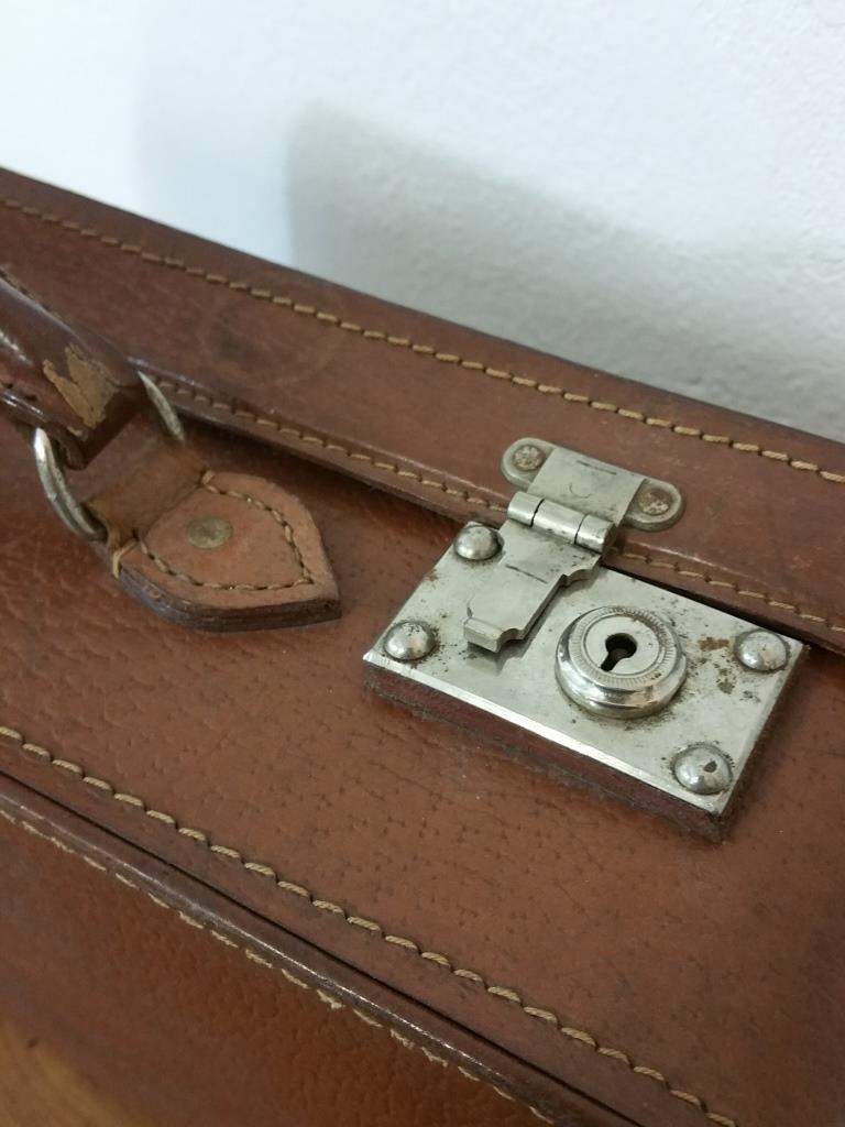 6 valise en cuir