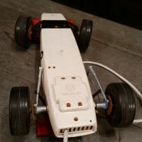 6 voiture filoguidee