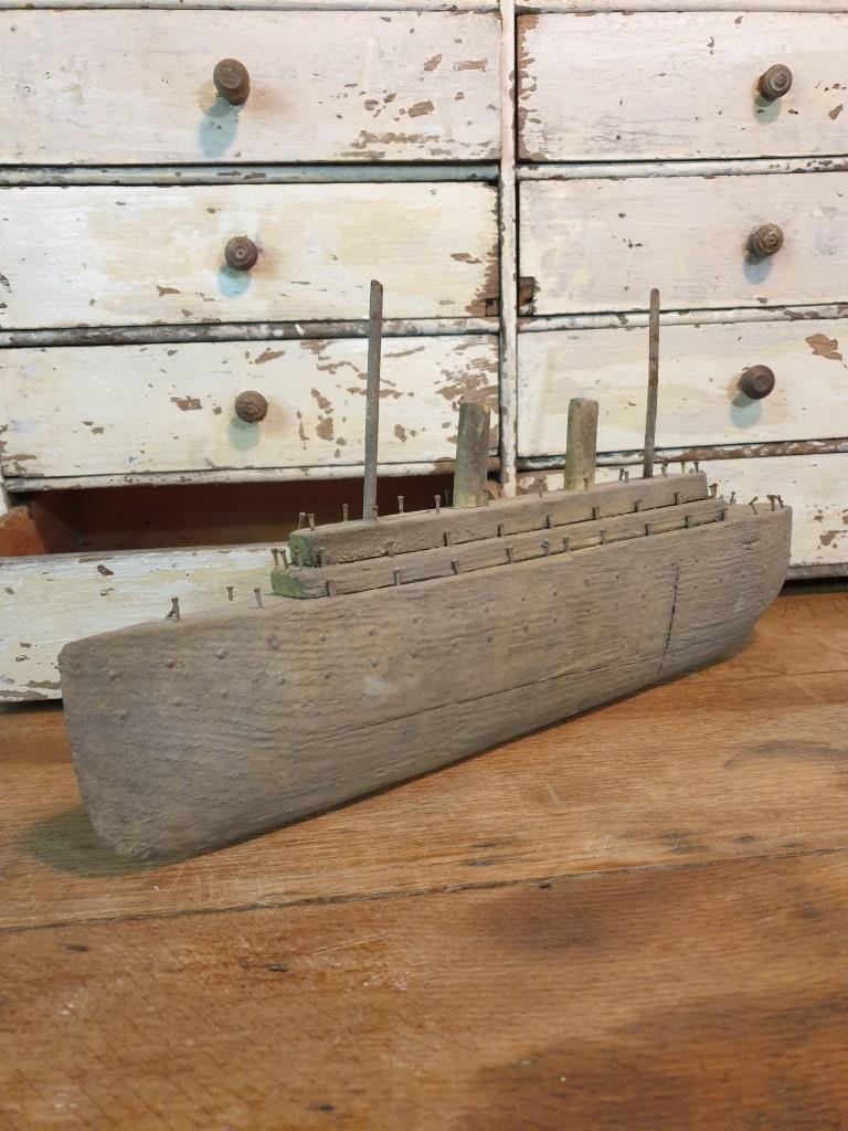 7 bateau navire de guerre