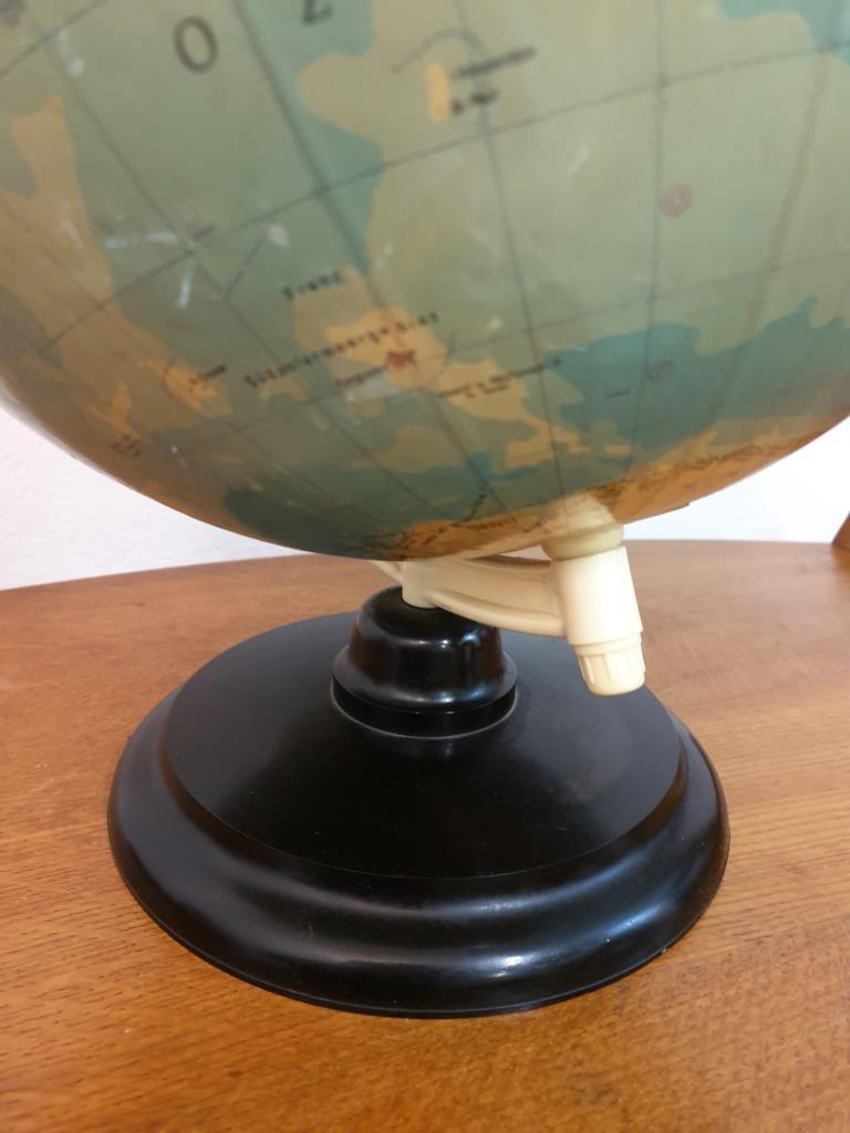 7 globe terrestre rath
