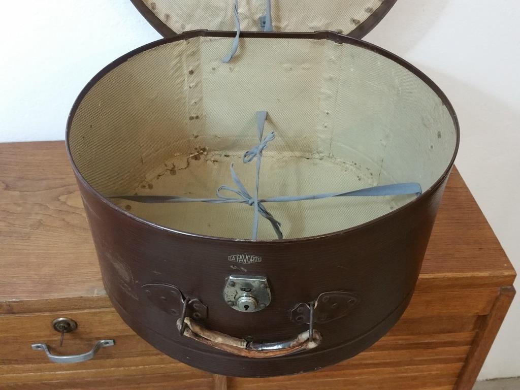 7 grande boite a chapeau marron