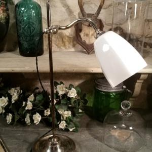 7 lampe de table opaline blanche