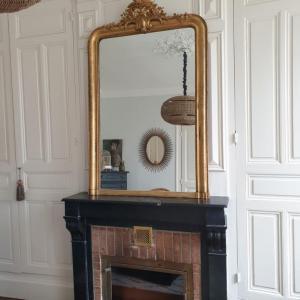 7 miroir dore a fronton