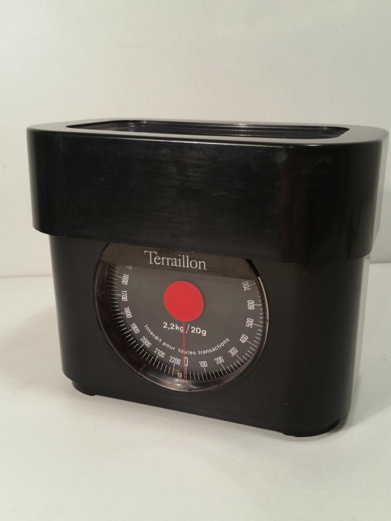8 balance terraillon noire