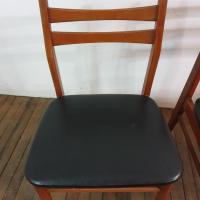 8 chaises scandinaves